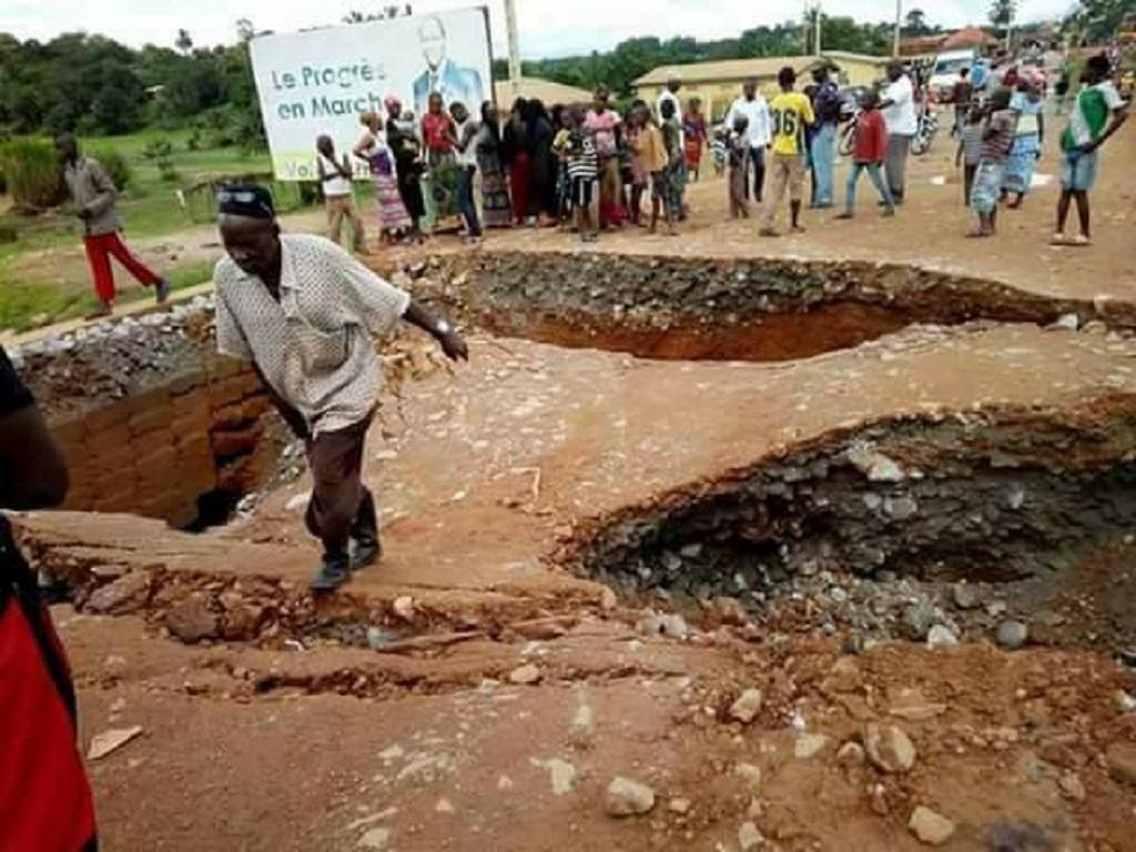 Route nationale Gueckedou -Macenta : Un pont routier s'écroule…