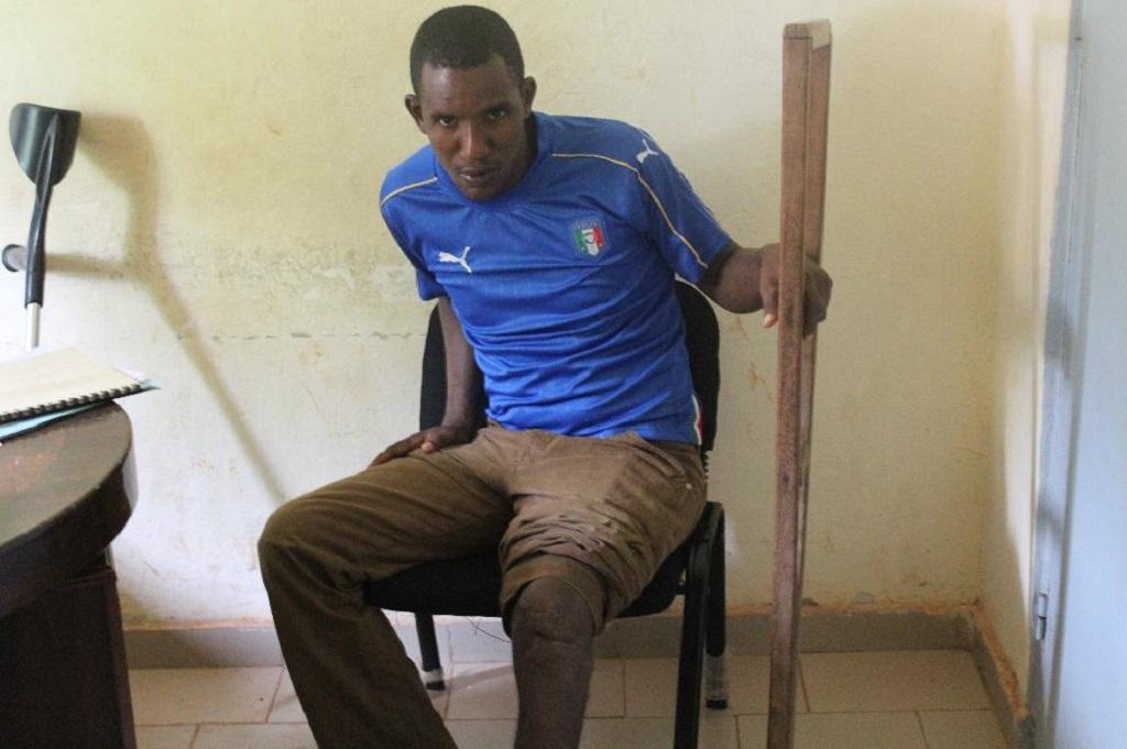 Boké: S.O.S pour sauver la vie de Boubacar Diallo dont le pied se dégrade lentement