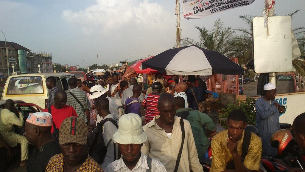 Guinée : Les cambistes de l'aéroport gbessia de Conakry, demandent un espace idéal pour exercer leur activité.