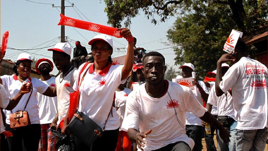 Première présidentielle post-Ebola mercredi en Sierra Leone