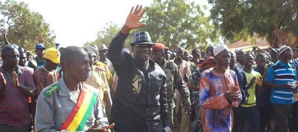 Le Ministre Bouréma Condé à Kouremalé pour prêcher la paix entre Guinéens et Maliens.