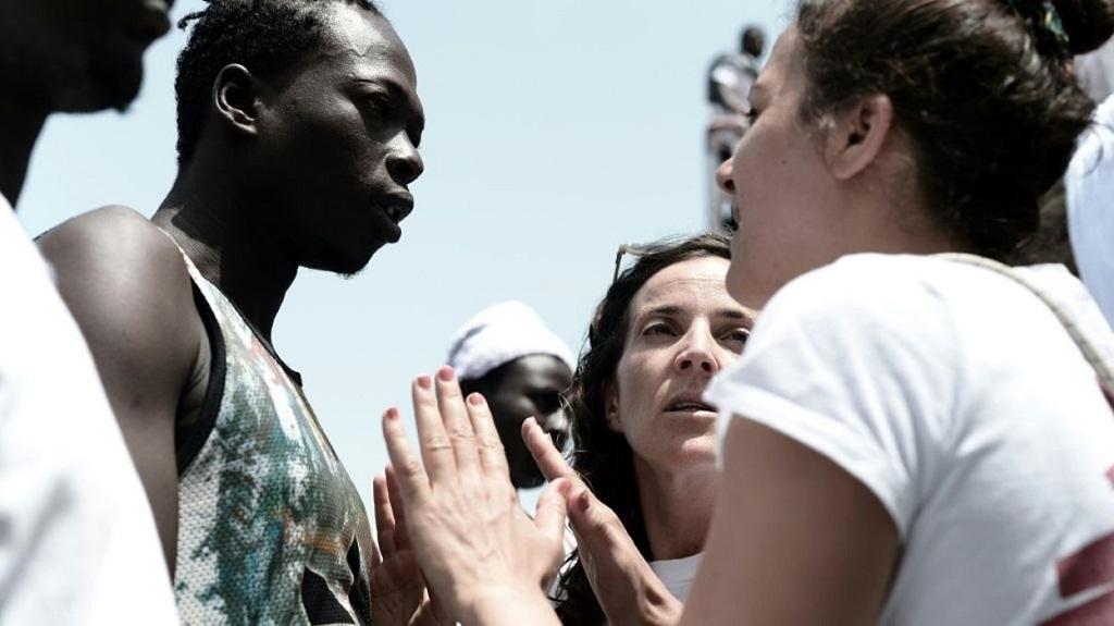 Aquarius, entre terreur et soulagement: «Merci Europe de nous laisser entrer