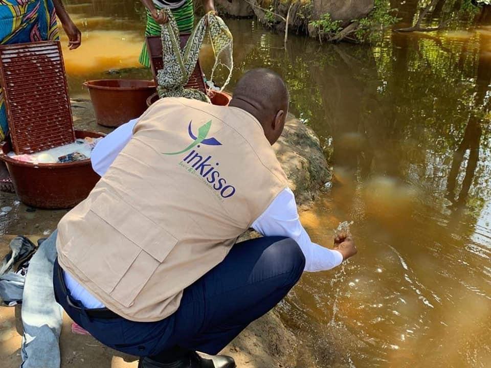 Le Combat pour l'eau potable : Tinkisso Antenna arrive à Kankan
