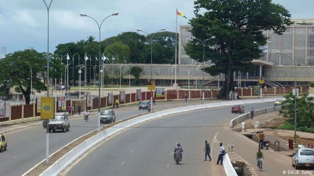 Constitution de la Guinée TITRE XVIII: DE LA RÉVISION DE LA CONSTITUTION