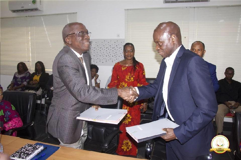 Le gouvernement et la Banque mondiale signent un accord…