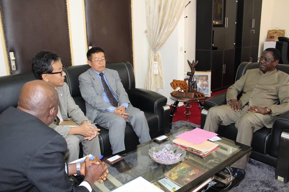 MPAEM : Présentation au Ministre Frédéric LOUA d'un expert Japonais en aquaculture communautaire
