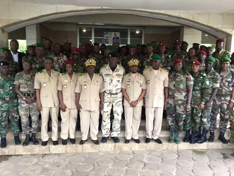 Guinée : passation de commandement dans les états majors des armées de terre, air et mer…