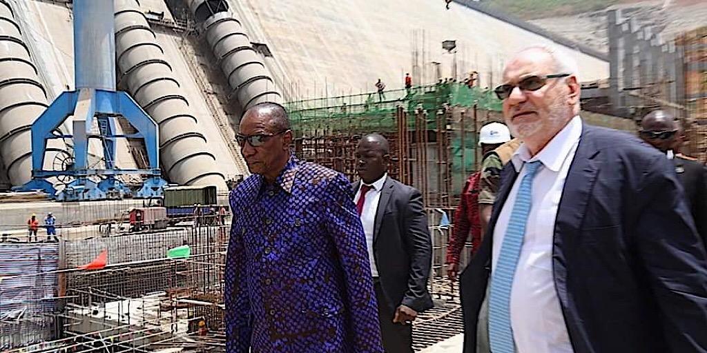 Alpha Condé a visité les travaux du chantier du barrage de Souapti
