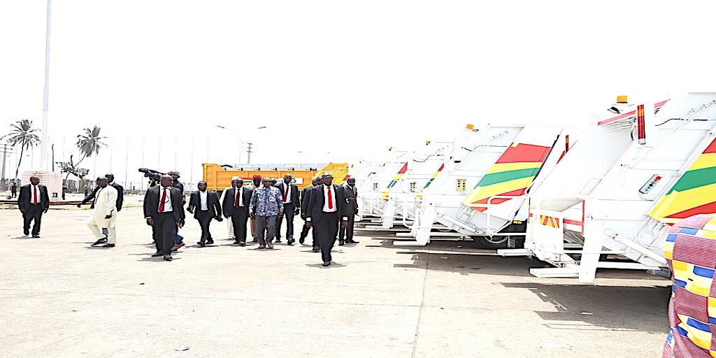 Don de camions-poubelles par la société Albayrak: Le Président Alpha Condé s'en félicite
