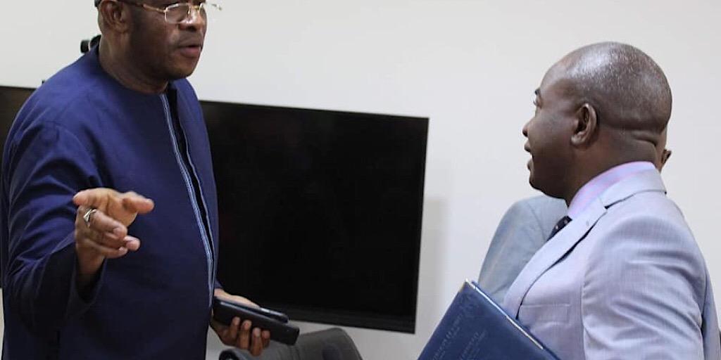 MFB INFO-Rencontre du  Ministre du Budget avec la Direction Nationale des Impôts, les administrateurs des CGA et les opérateurs économiques.