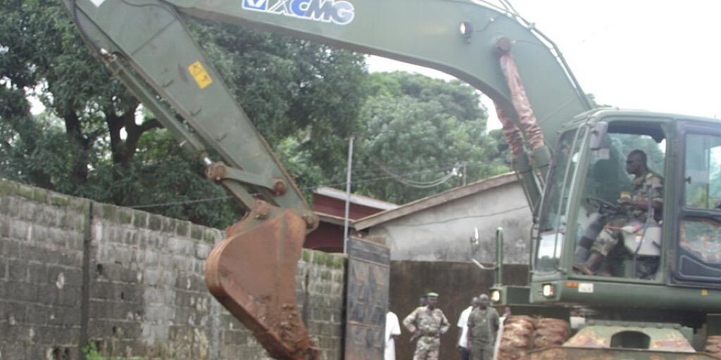 Guinée /MVAT : Ouverture des voies d'eaux obstruées dans les secteurs de Condéya, Barrya, Yèghèmatho, Centre et Brigade, quartier Sangoyah/commune de Matoto