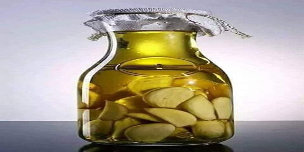 Santé : Le l'ail dans l'huile d'olive est l'antibiotique le plus puissant de votre maison.