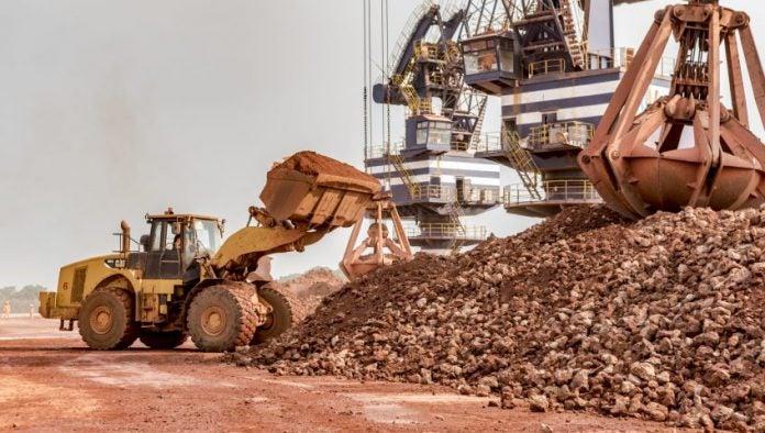 Mine : Le gisement de fer du Mont Nimba vendu à une junior pour un montant non revélé.