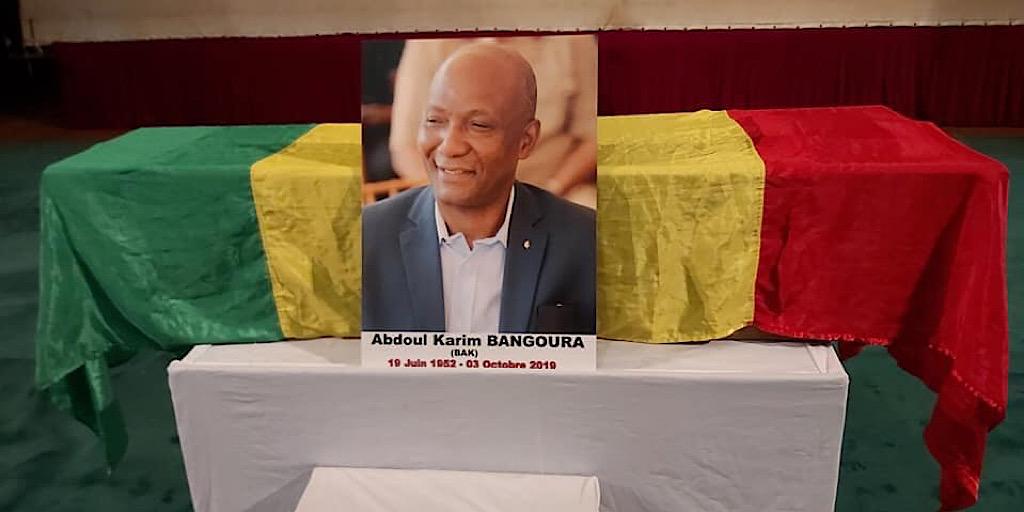 Hommage à Abdoul Karim BANGOURA « BAK » ce timonier a rejoint sa dernière demeure ce vendredi 4 Octobre 2019 au cimetière de Cameroun où il repose désormais