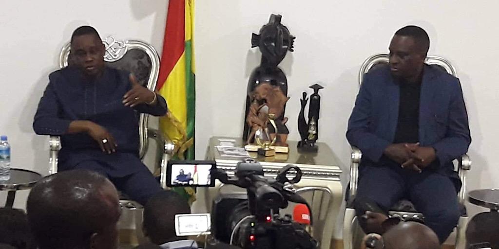 Ministère des Sports de la Culture et du Patrimoine Historique : Le ministre Bantama Sow reçoit le président de la Féguifoot Antonio Souaré