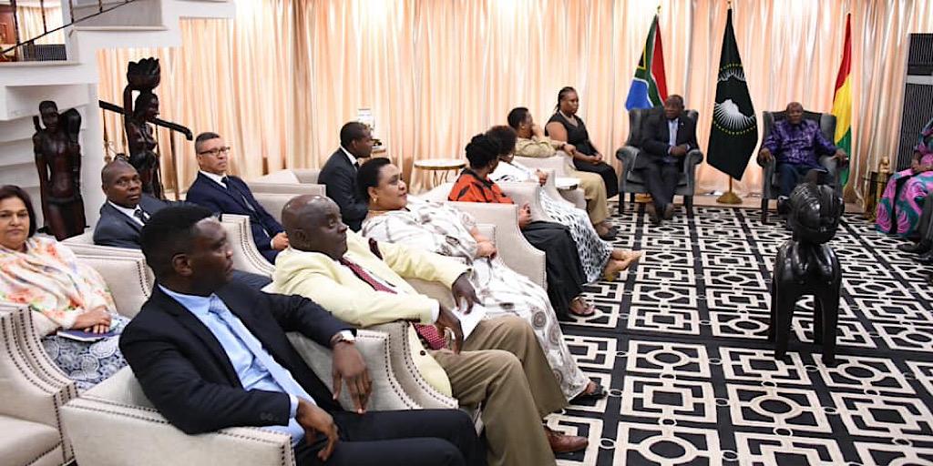 VISITE DE TRAVAIL EN GUINEE DE SEM CYRIL RAMAPHOSA, PRESIDENT DE LA REPUBLIQUE D'AFRIQUE DU SUD: COMMUNIQUE CONJOINT