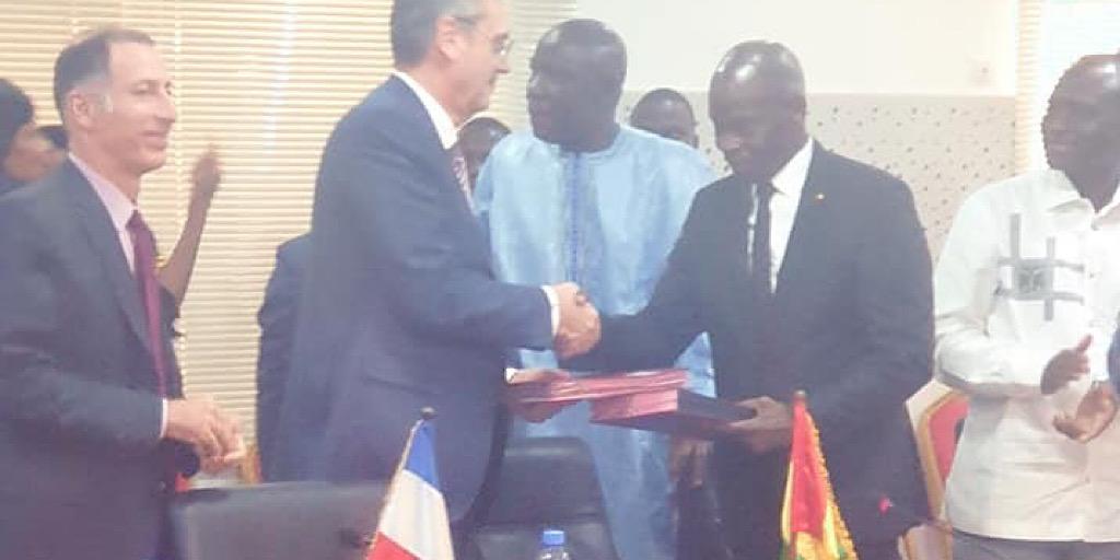Signature d'une convention de financement entre le Gouvernement Guinéen et l'Agence Française de Développement.
