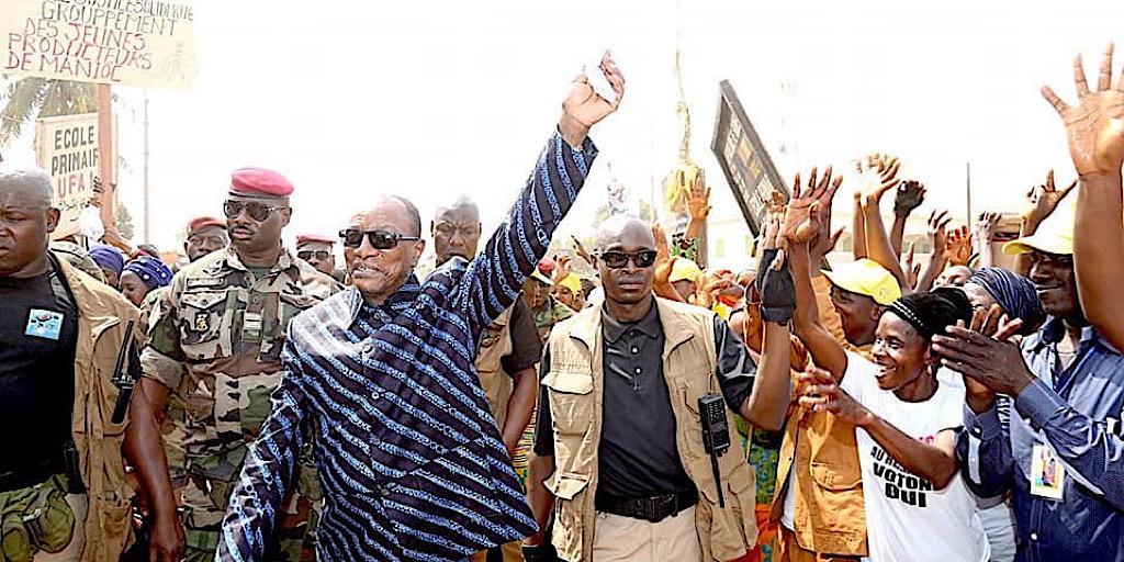 Guinée/Quiconque veut saccager les urnes le jour du vote, frappez-le dixit Pr Alpha Condé à Faranah