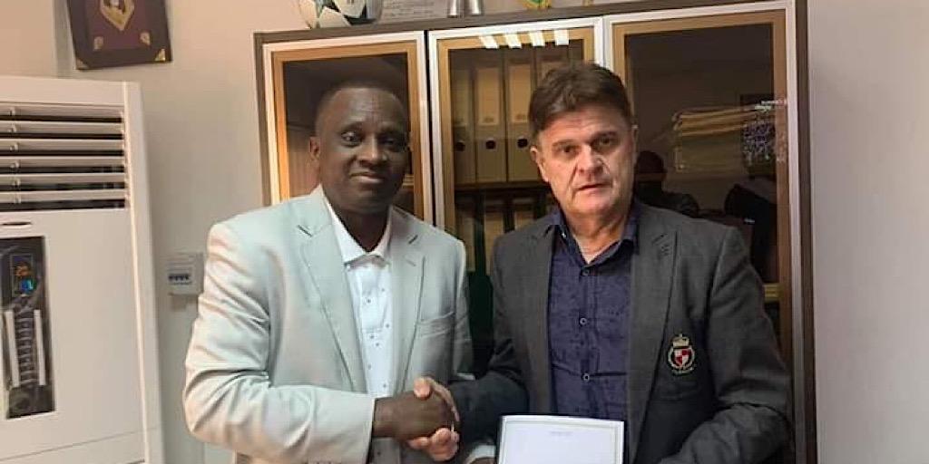 Football: Le technicien français Didier Six signe enfin avec la Guinée…