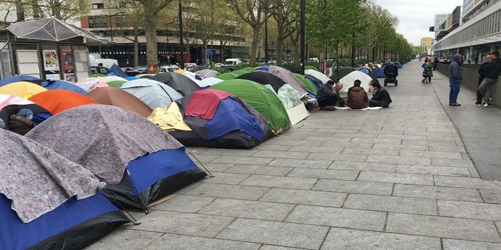 France : les migrants, grands oubliés des mesures de prévention contre le coronavirus